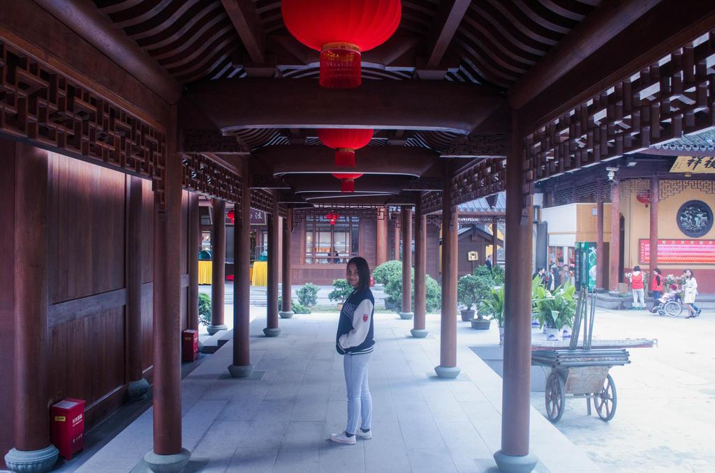 Shanghai Buddha jade temple by PaoSophie