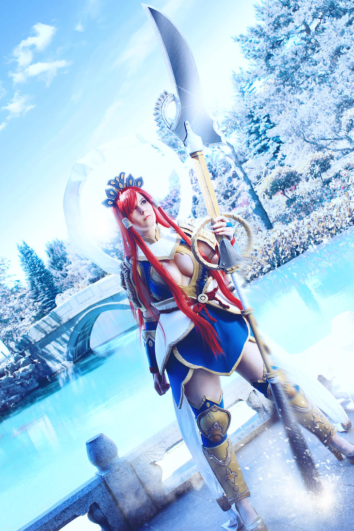 Erza Scarlet Nakagami armor by SCARLET-COSPLAY