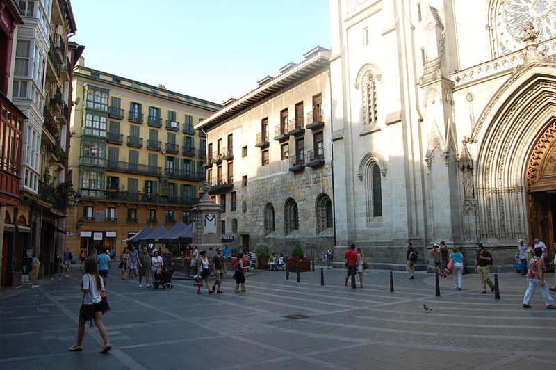Plaza de la catedral by Autodidacta