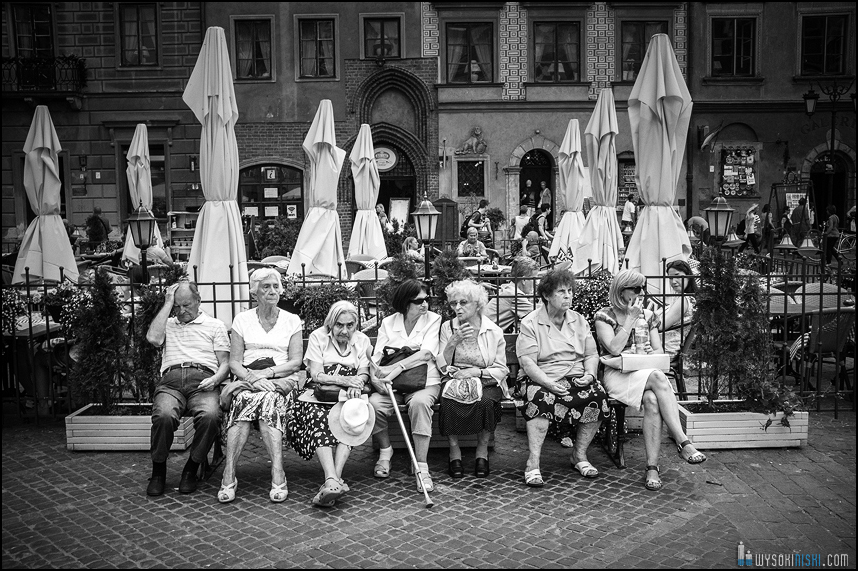 HEADACHE - street photo Poland by WysokiNiski
