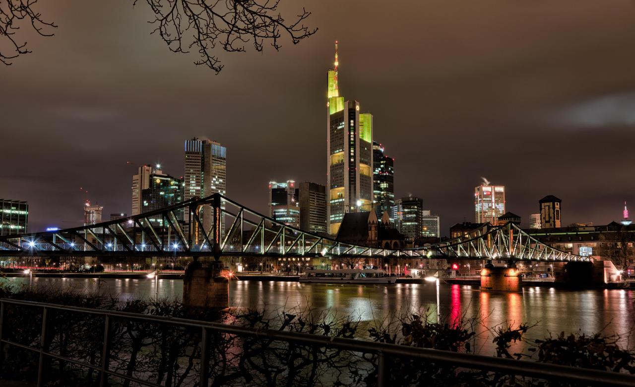 frankfurt skyline by melmarc on deviantart. Black Bedroom Furniture Sets. Home Design Ideas