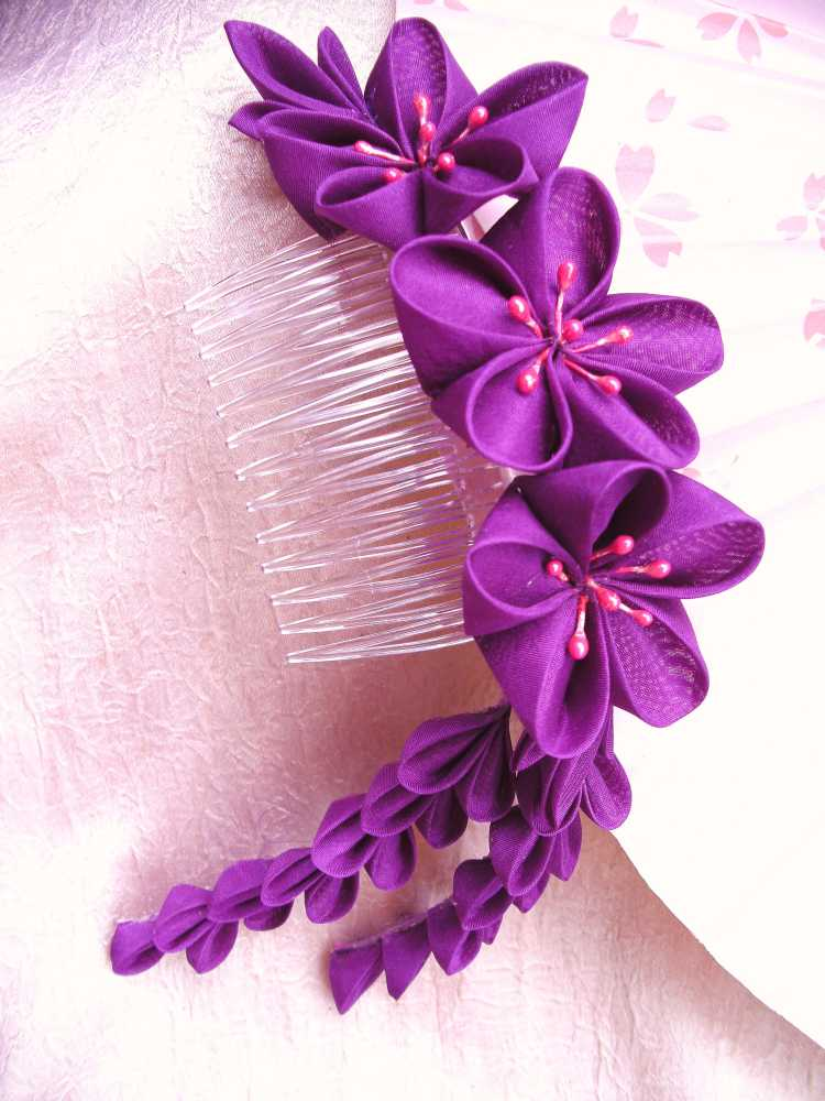 Vibrant ume kanzashi comb by elblack