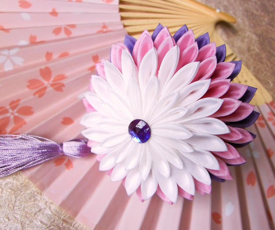 Senior maiko kiku kanzashi by elblack