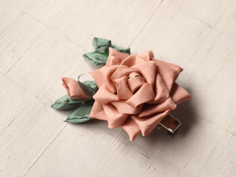 Tea rose kanzashi by elblack