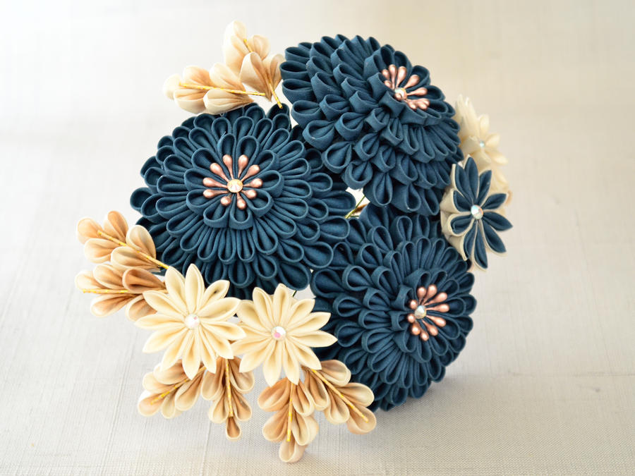 Big teal kiku kanzashi by elblack