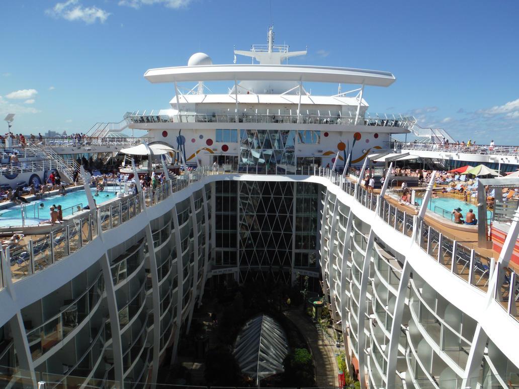Allure Of The Seas Pool Deck By Sorath Rising On Deviantart