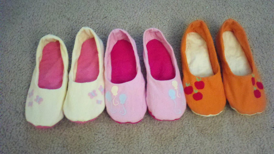 My Little Pony Slippers! by Evilwarlordgu