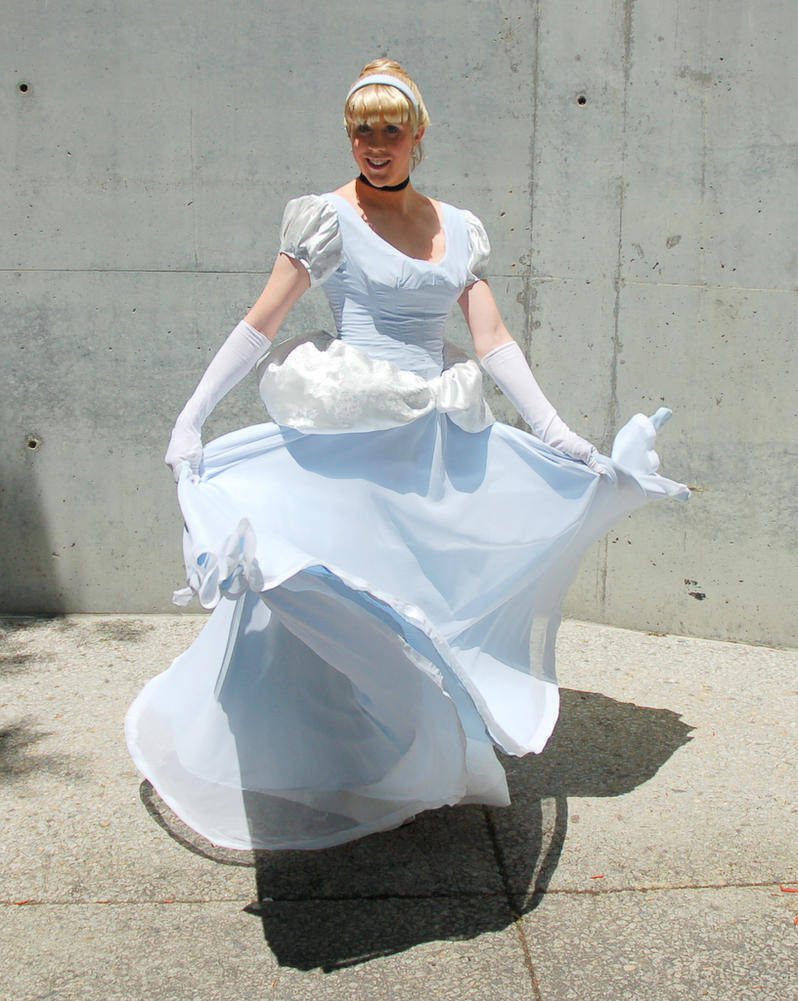 Cinderella Spinning by Reipoker