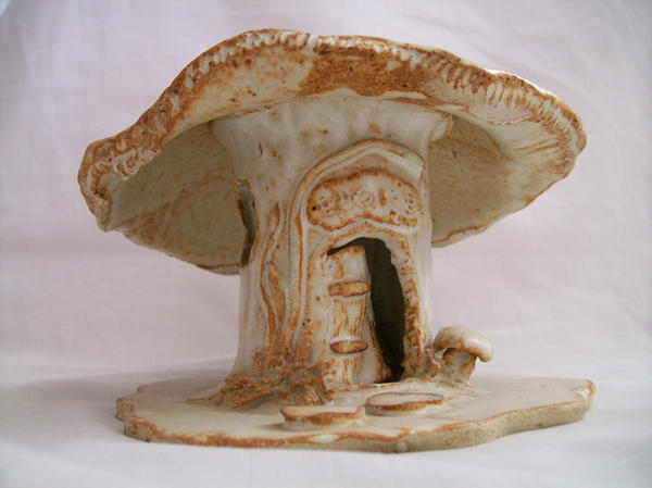 Mushroom House 01 by Elaweasel