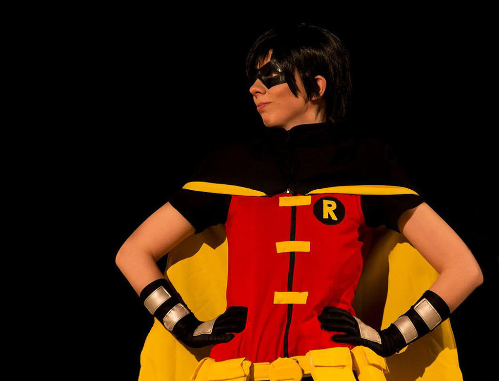 Robin/ Dick Grayson - Cosplay by HelloDarkside