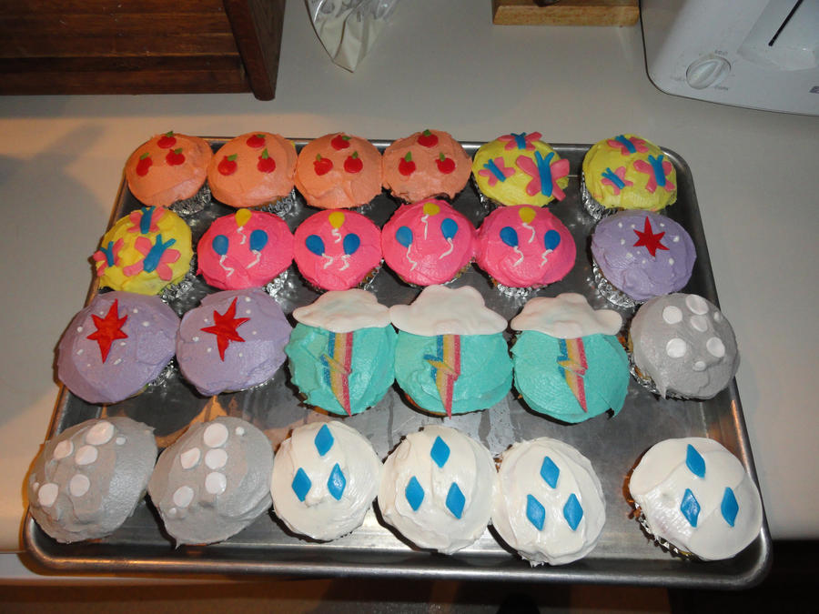 my little pony cupcakes by righteousbabet on deviantart