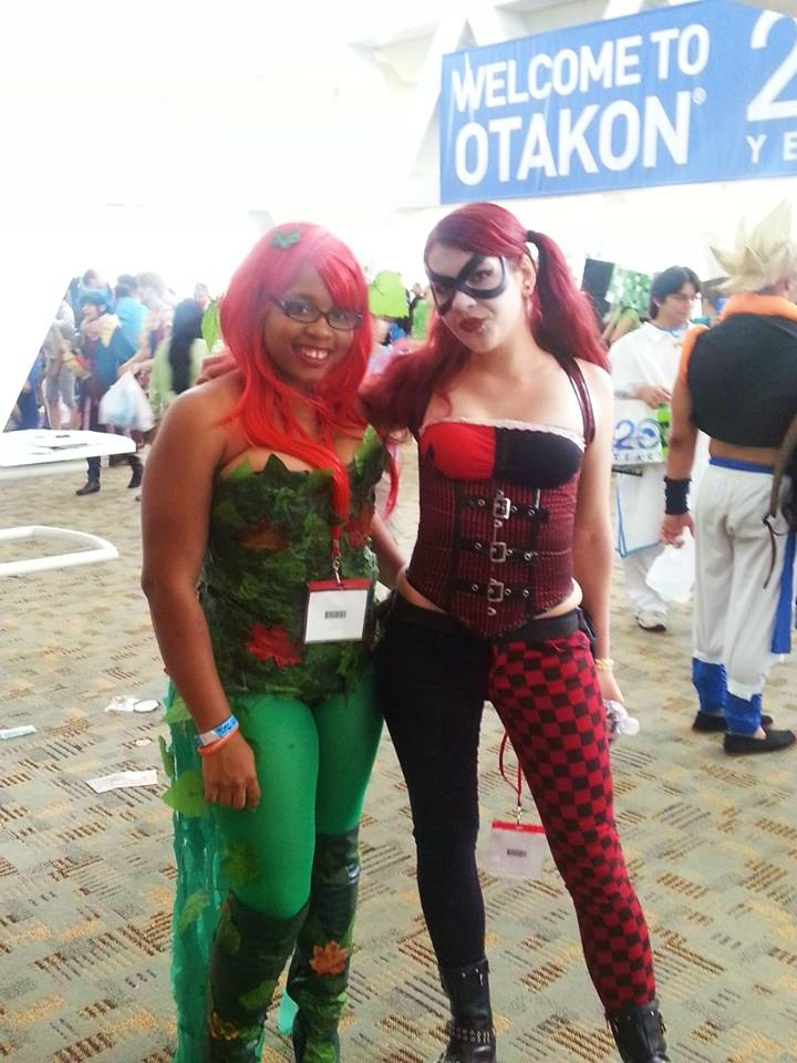 Poison ivy and harley quinn cosplays by gamerzone18 on for Zona 5 mobilia no club download