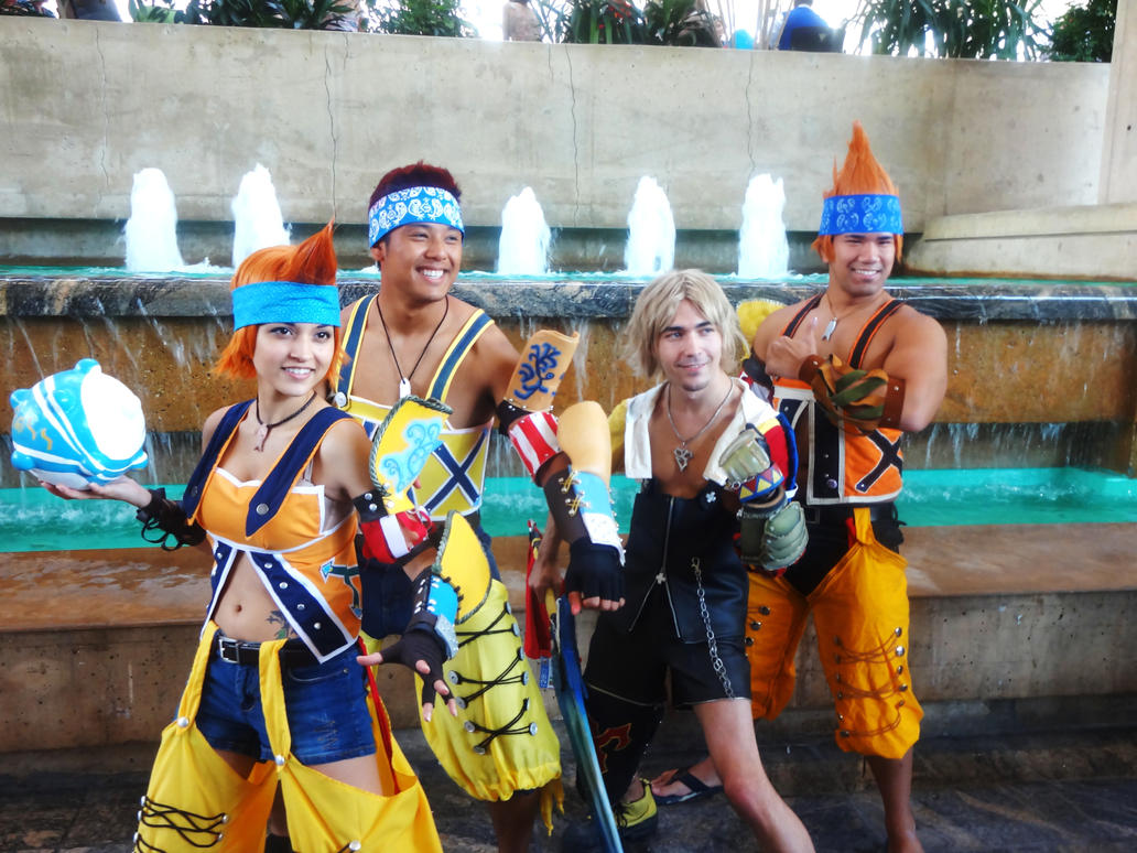 Final fantasy 10 39 s wakas and tidus cosplays by gamerzone18 for Zona 5 mobilia no club download