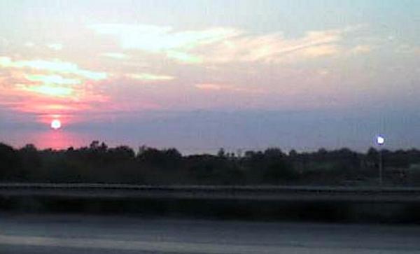sun set over lake Erie by KenshinKyo