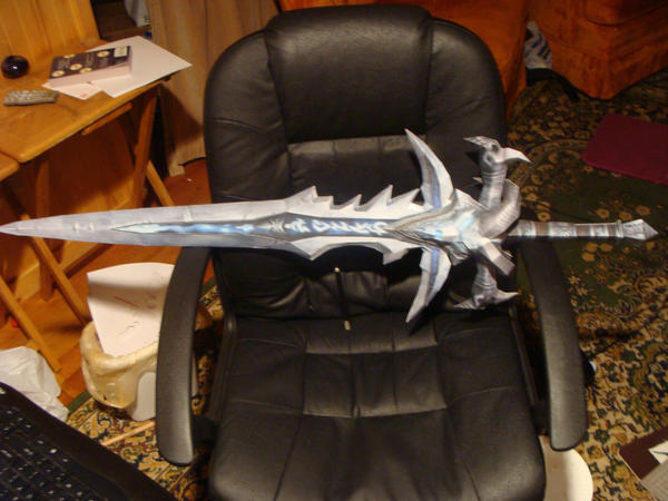 Frostmourne Papercraft by Jophish126