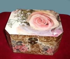 Rose and Patina Box by marinaawin