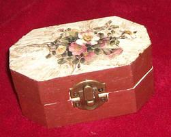 Tiny Flower Box by marinaawin