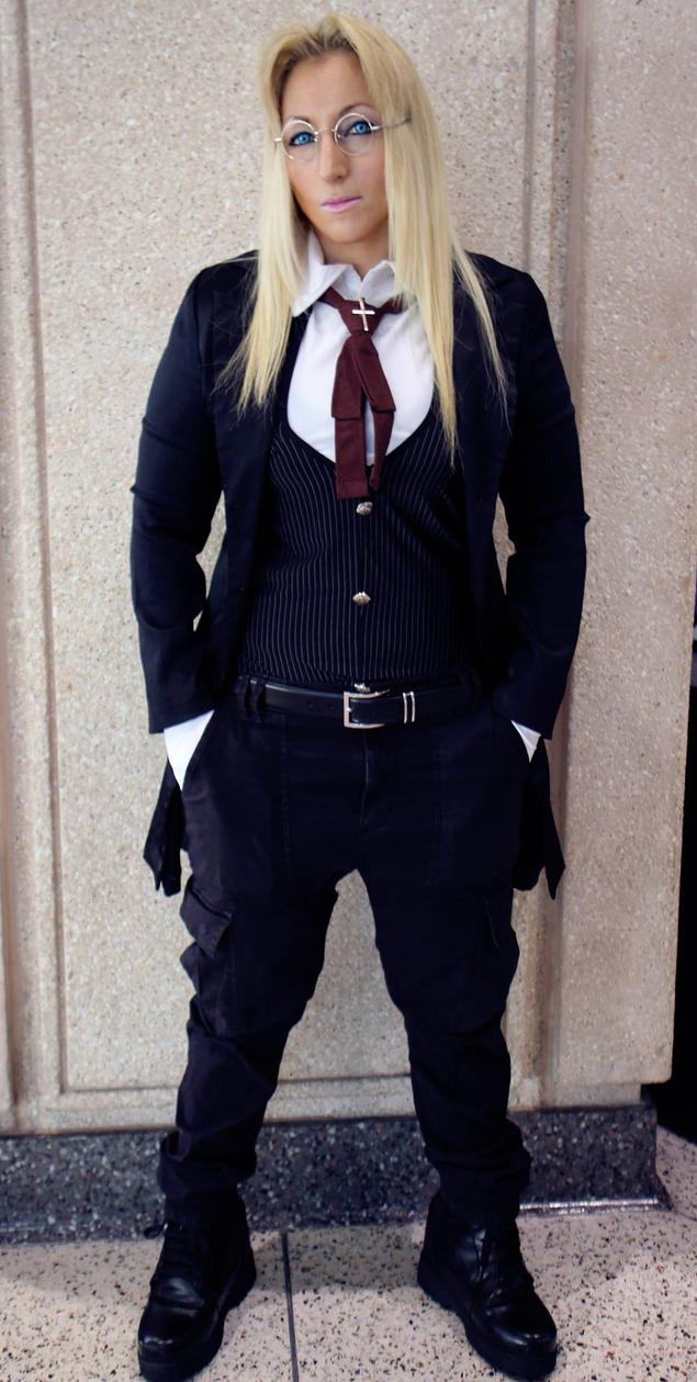 Sir Hellsing by GingerAnneLondon