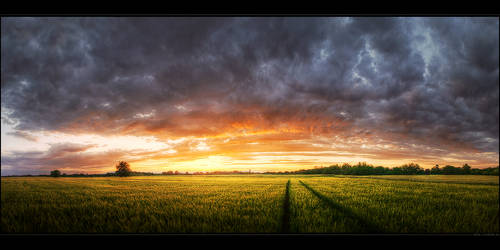 Hungarian skies pt.LIV. by realityDream