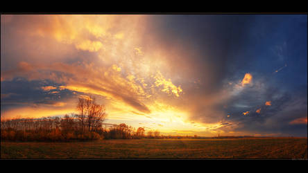 Hungarian skies pt.LXV. by realityDream