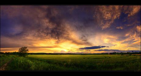 Hungarian skies pt.LXXXVII. by realityDream