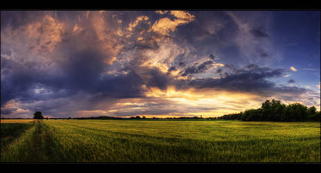 Hungarian skies pt.LXXXIX. by realityDream