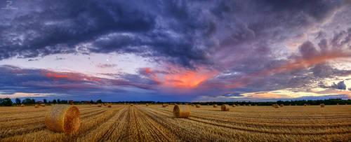 Hungarian skies pt.CLXXXVIII. by realityDream