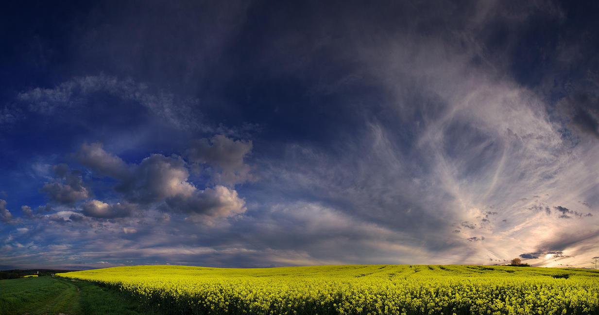Hungarian skies CCVIII. by realityDream