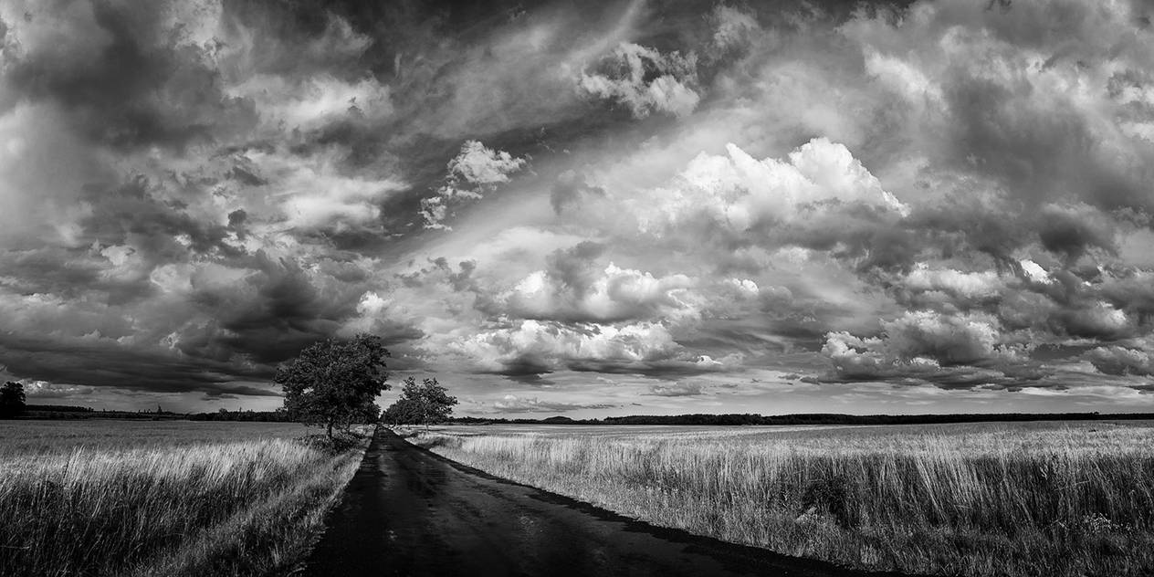 Hungarian skies CCXXV.(BW) by realityDream