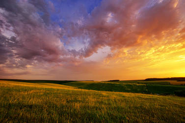 Rolling Hills of Dozmat IV. by realityDream