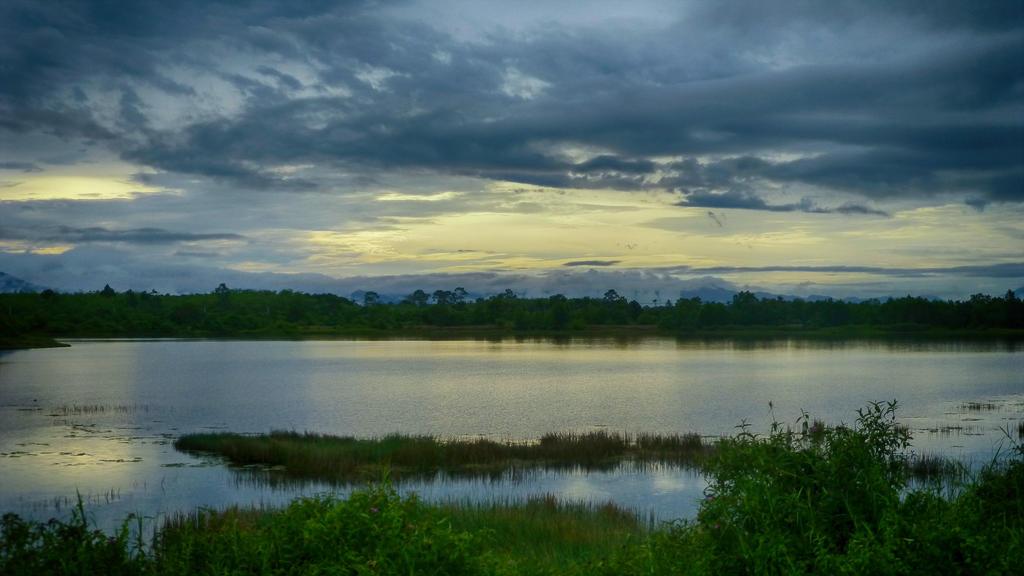 lake sunset by burnchild
