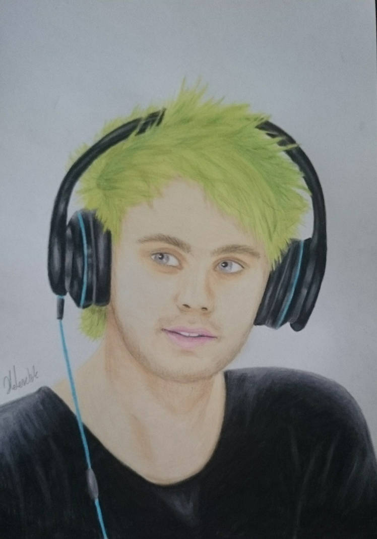 Michael Clifford by THfreaken