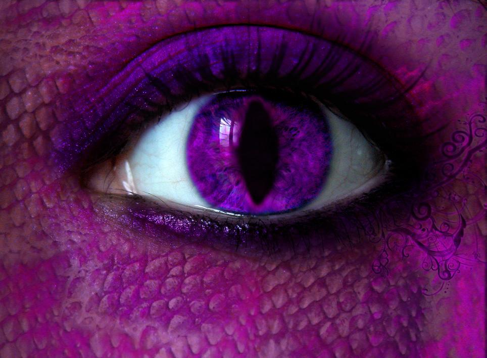 Snake Eyes by chavon13