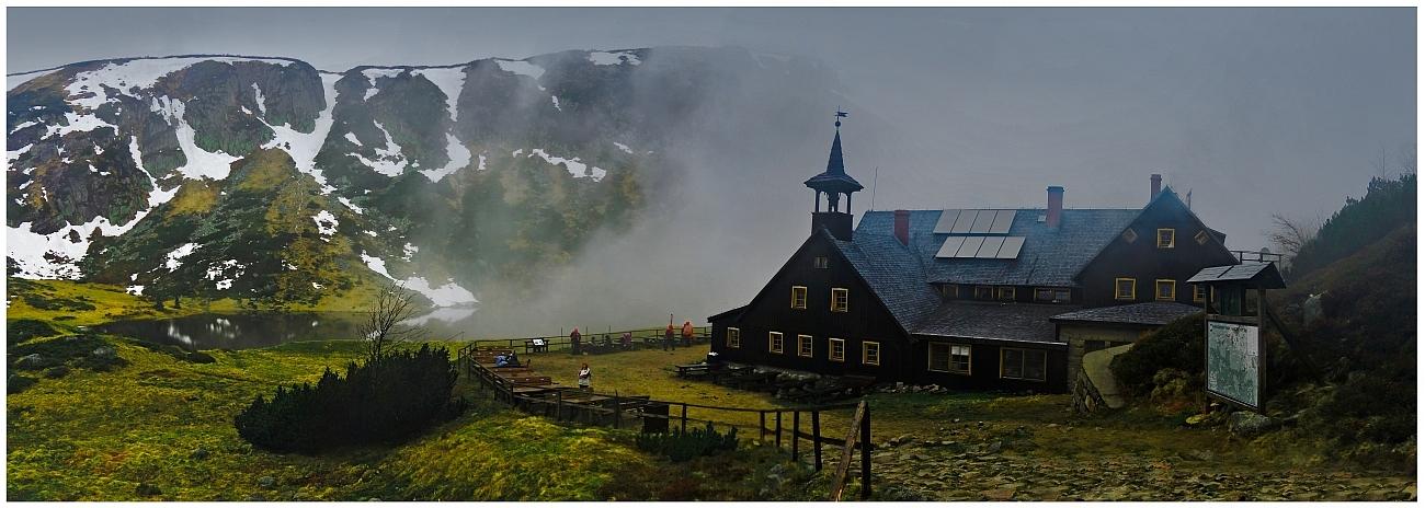 Mountain shelter Samotnia by pawelsky