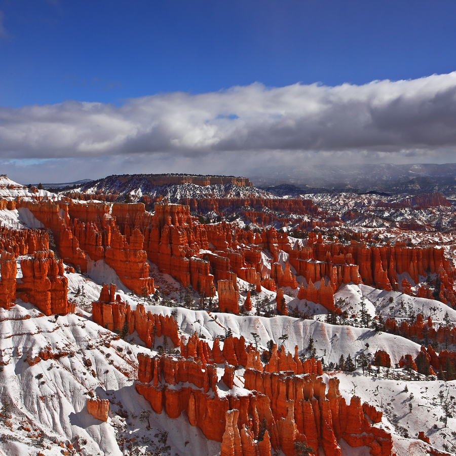 Bryce Canyon II by ernieleo