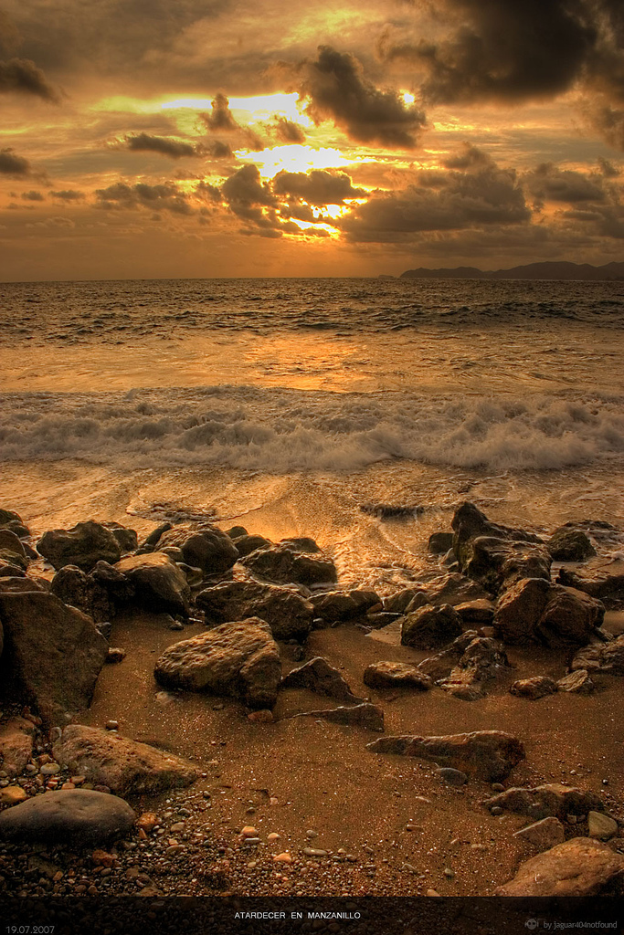 Sunset Manzanillo by jaguar404