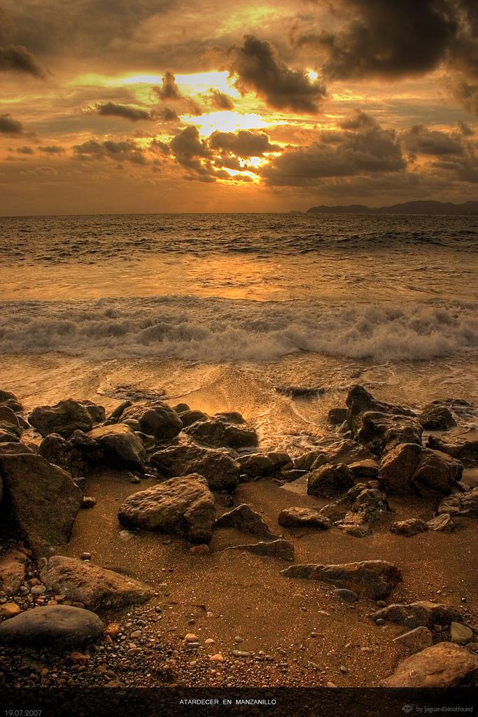 Sunset Manzanillo by jaguar404
