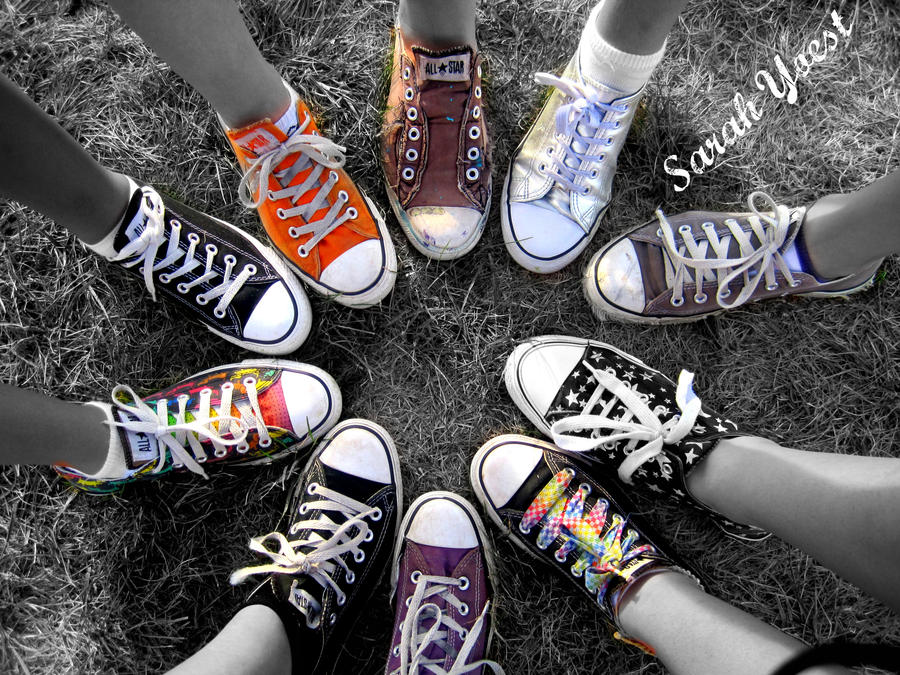 converse shoes in a circle wallpapers
