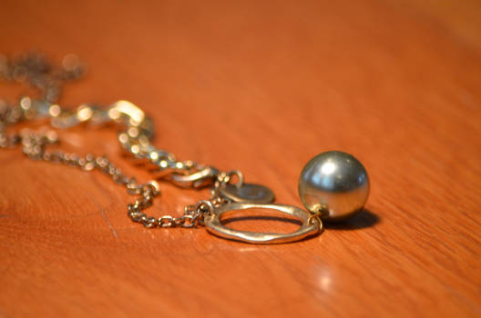 Gold Necklace with Green Pearl