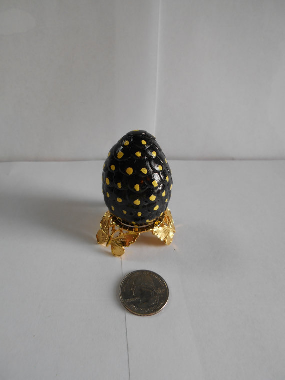 game of thrones egg- black with yellow spots- sd3 by alf999