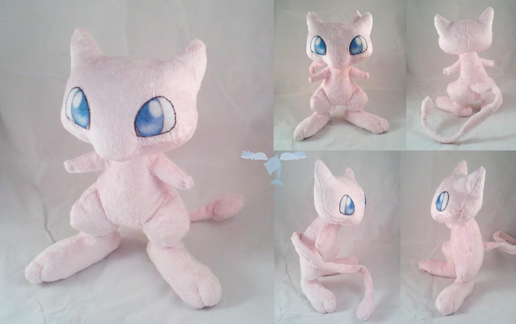 Mew Plushie by dollphinwing