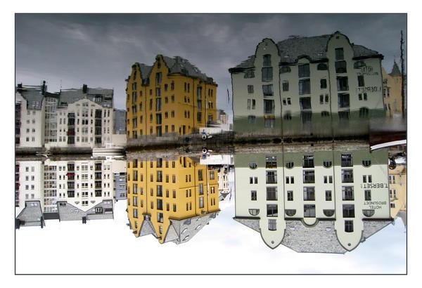 Mirror by BengtKnutsson