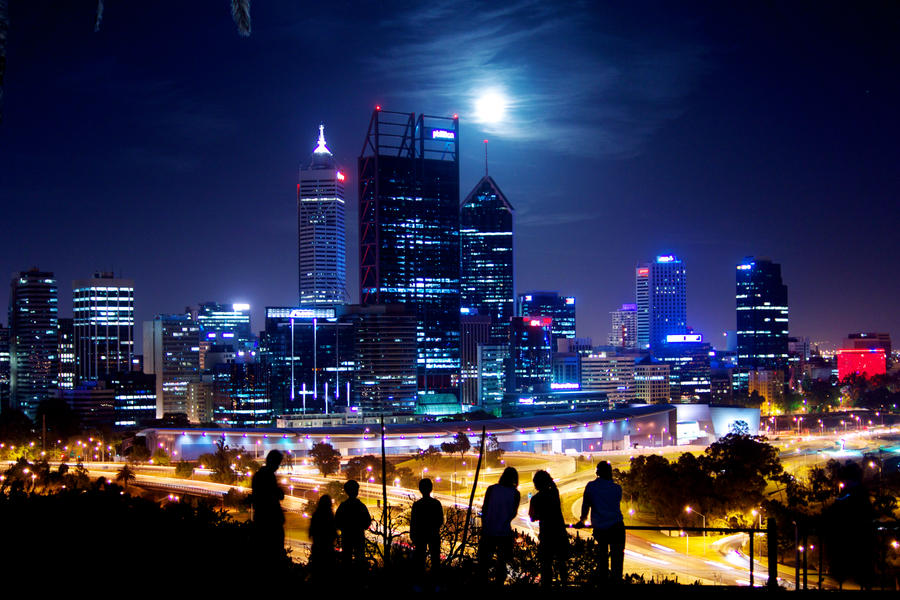 moon_over_perth_skyline_1st_december_by_raitophotography-d5mvr9d.jpg