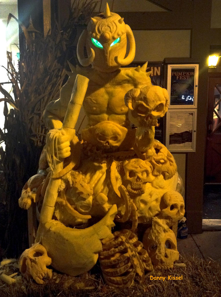 Pumpkin Death Dealer! by kissel71