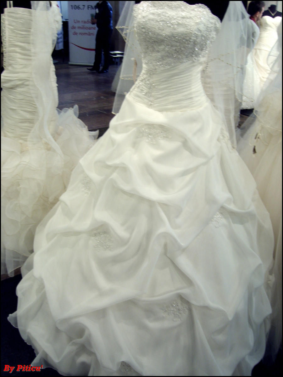 Wedding dress 2 by piticus41