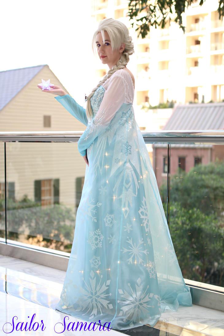 Elsa from Disney's Frozen by SailorSamara