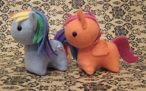 Commission - MLP Itsy-Ponies Dashy + Scootaloo by mihoyonagi
