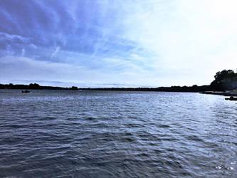 A gorgeous lake by DavetheBunnyboy