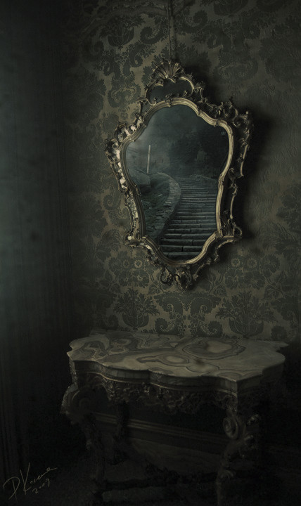 Mirror Mirror by asgoth-de-agra