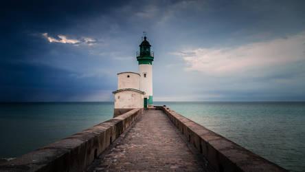 Leuchtturm by DJMattRicks